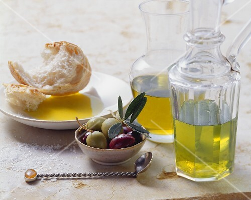 Olives, olive oil and white bread