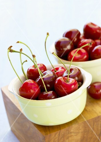 Cherries in small bowls