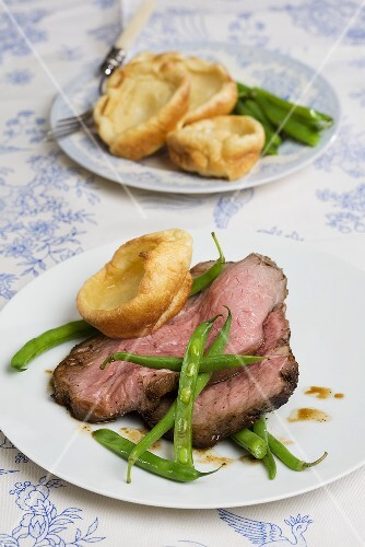 Roast beef with Yorkshire pudding and green beans