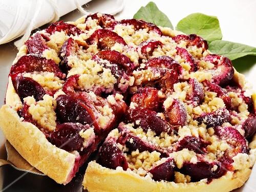 Plum crumble tart