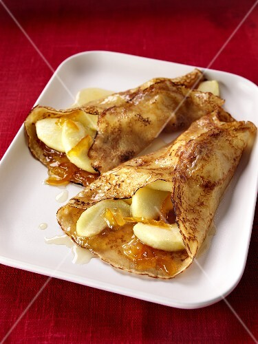 Pancakes with apples and orange marmalade