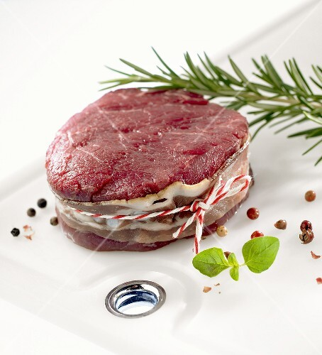 Beef medallion with bacon; herbs; spices