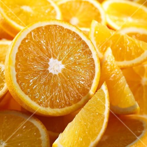 Orange halves and wedges (close-up)