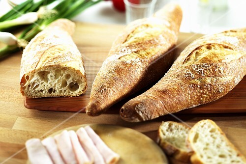 Pain de campagne on a chopping board