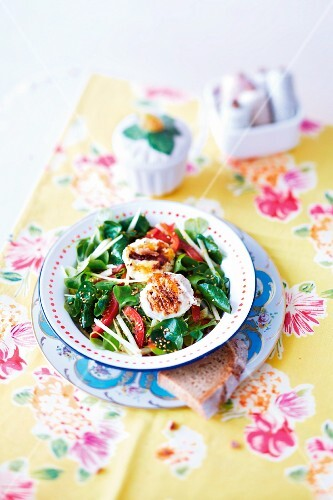 Lamb's lettuce with goat's cheese and sesame seeds