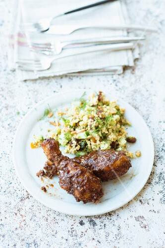 Sweet and sour chicken legs with a bulgur salad
