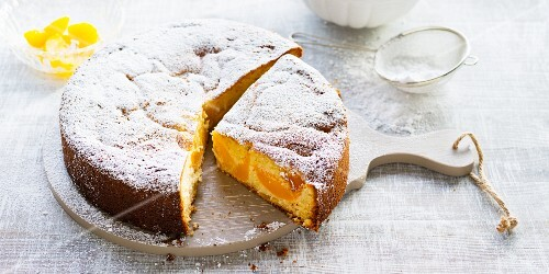 Peach cake with coconut