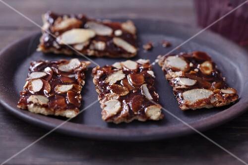 Weihnachtsscherben (biscuits made with almonds and caramel)