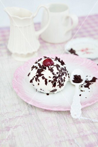 Mini Black Forest Bundt cake