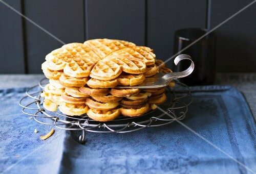 Baking with stevia: buttermilk waffles