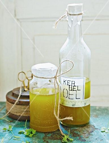 Chervil oil