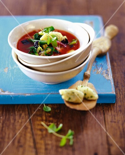 Vegetable soup with semolina dumplings