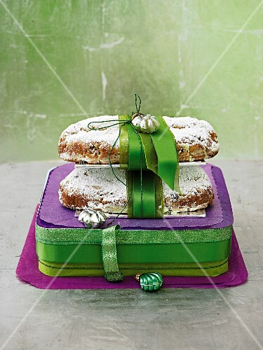 Mini stollen cakes, packaged in green and purple