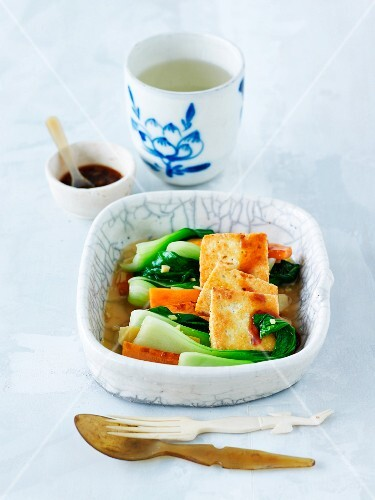 Vegetables with fired tofu