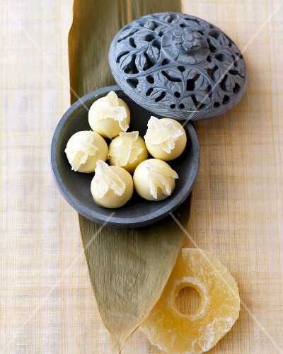White chocolate pineapple and coconut pralines