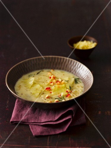 White cabbage soup with bulgur, apple and rosemary