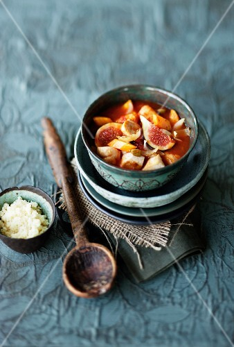 Chicken soup with figs and couscous