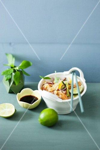 Glass noodle salad with chicken