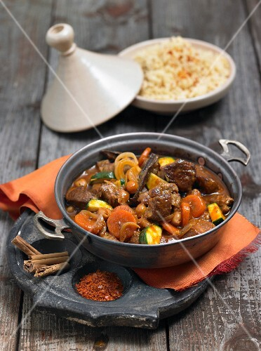 Lamb stew with vegetables (Arabia)