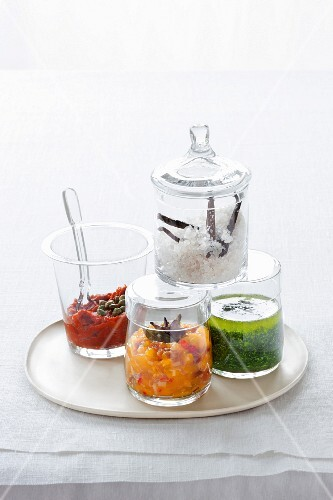 Tomato pasta, mango chutney, vanilla salt and mint pesto in glasses