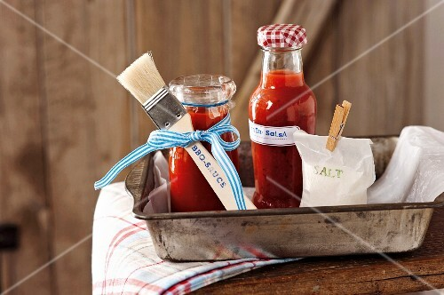 Barbecue sauce and nectarine salsa with coriander as gifts