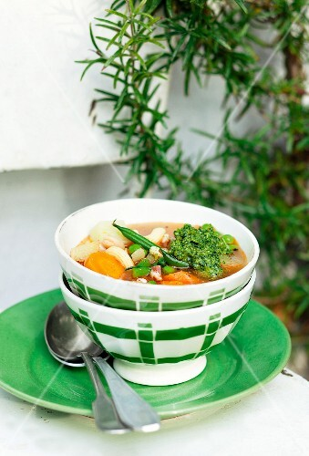 Colourful minestrone with pesto