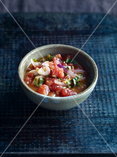 Chunky tomato sauce with garlic, onions, ricotta and basil