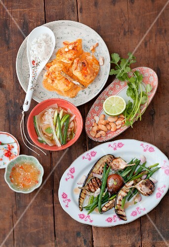 Rice soup, coconut chicken and grilled vegetables (Vietnam)