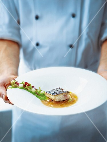 Lower Rhine catfish with wild pistachios and a rehydrated Williams pear