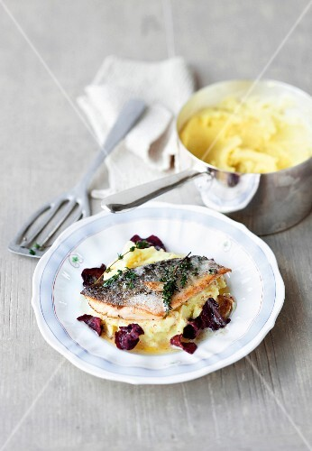 Char with mashed potatoes and beetroot crisps