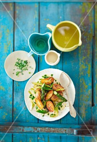 Tarragon potatoes with green asparagus