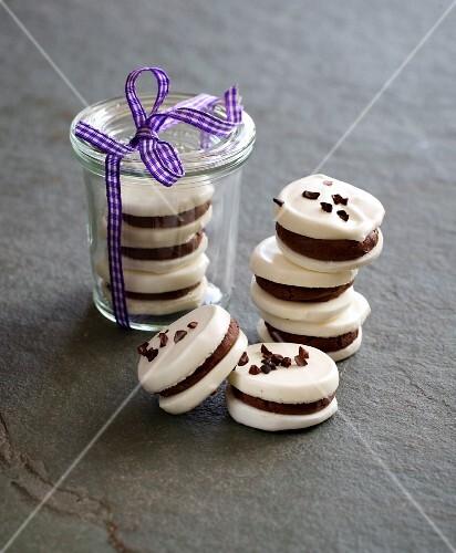 Chocolate and meringue cakes