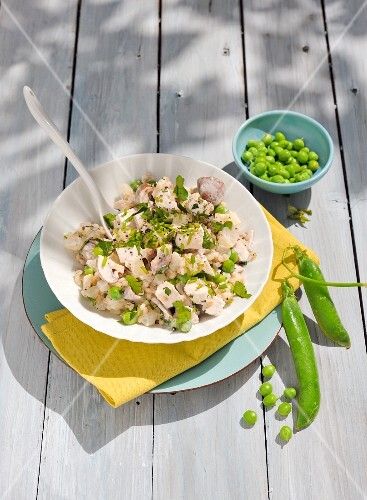 Chicken salad with peas