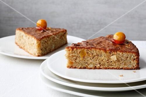 Macadamia nut cake with ginger