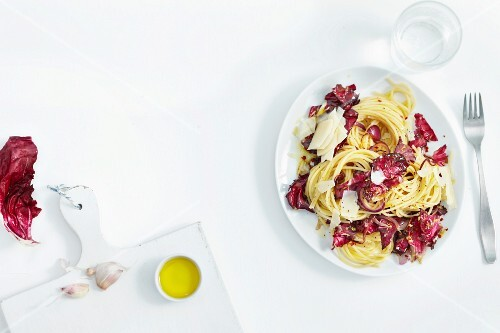 Spaghetti with radicchio
