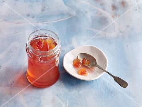 White wine jelly with nectarines