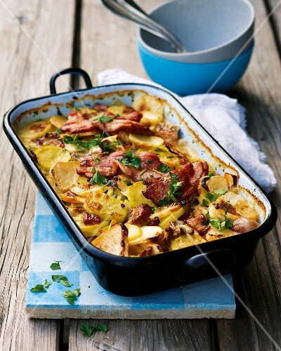 Potato and turnip bake with pork