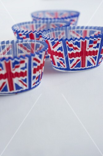 Union Jack muffin cases
