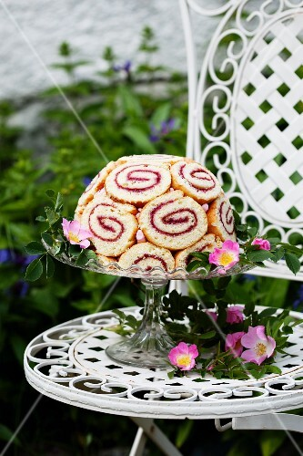 Strawberry Charlotte with wild roses