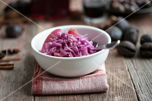 A bowl of apple red cabbage