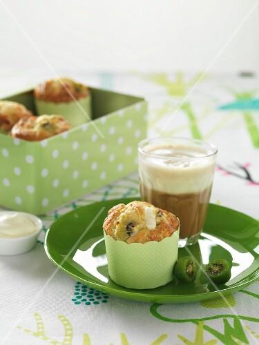 Kiwi muffins with white chocolate