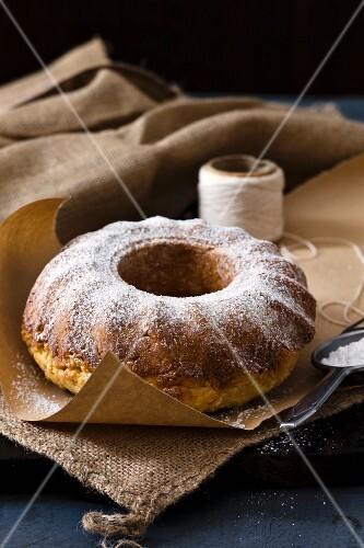 Ciambella con la ricotta (ricotta wreath cake, Italy)