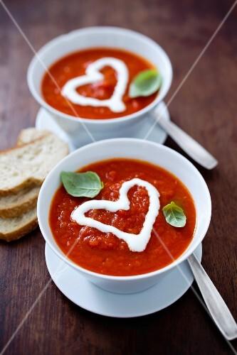 Tomato soup decorated with a crème fraîche heart