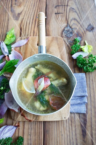 Chicken broth with shallots