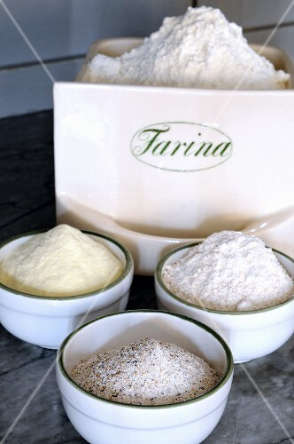 An arrangement of various types of flour