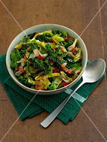 Savoy cabbage with onions and chilli peppers