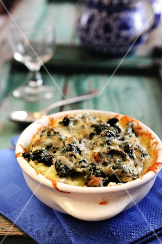 Potato, spinach and cheese bake