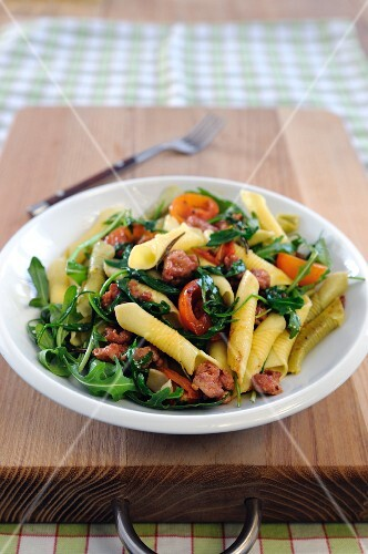 Garganelli alla campagnola (pasta with sausage and rocket)