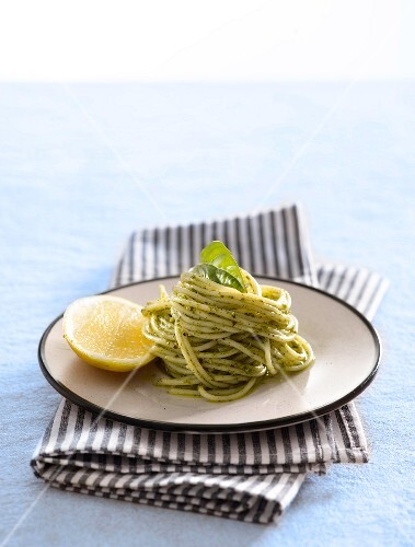Spaghetti with pesto and lemons