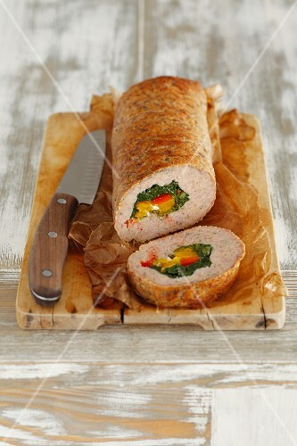 Stuffed meatloaf filled with spinach and pepper
